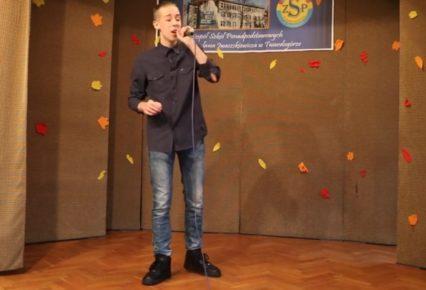 Mateusz w finale III Powiatowego Konkursu Piosenki Obcojęzycznej